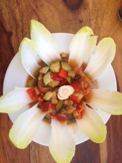 Gemüse mit Chicoree-Blume